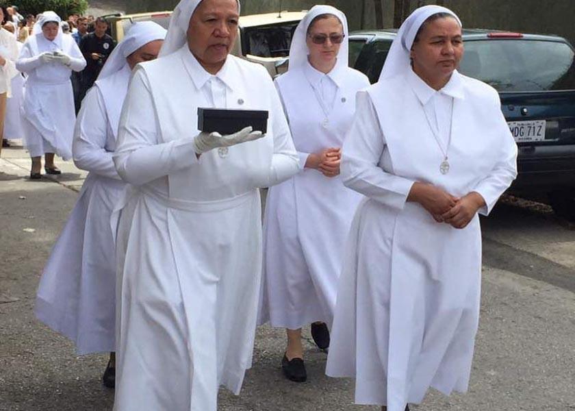 Madre Carmen: Traslado de las reliquias
