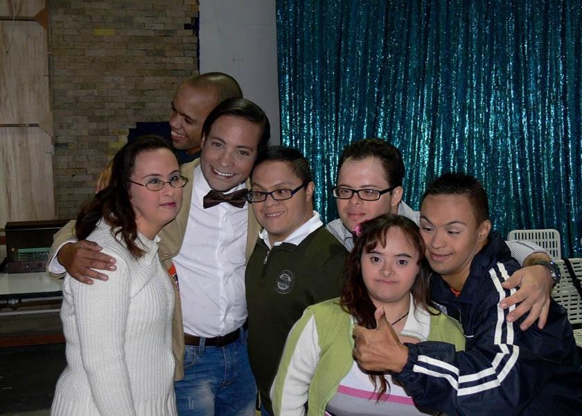 Grupo Madre Carmen tras de cámaras Calendario 2014